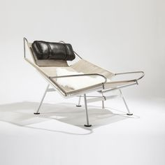 PP225 The Flag Halyard Chair- Halyard and Black Leather Cushion