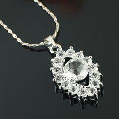 Mode blanc collier de diamants
