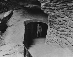 Man Cave Fort Nelson : Not far from old man's cave in southeastern ohio is rock house. it