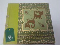 """Álbum personalizado por Taller 35. Lo mejor está dentro... las fotos y dibujos que le regalan a la profe los niños de su grupo, """"los gatos""""."""