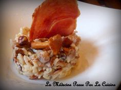 Risotto aux girolles et noisettes, chips de jambon fumé Paella, Risotto, Oatmeal, Chips, Gluten, Chicken, Breakfast, Rice Puddings, Fried Rice