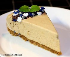 Mokkamoussekakku | Cebicin keittiössä | Bloglovin' Mousse Cake, Mojito, Vanilla Cake, Sweet Treats, Cheesecake, Deserts, Food And Drink, Dessert Recipes, Sweets