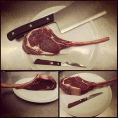 http://www.pizzeriailpergolatotivoli.it/  New!!! Tomahawk ribeye!!! Vi aspettiamo!!! #ristorante #restaurant #pizzeria #pizza #ilpergolatotivoli #roma #tivoli #carne #bisonte #food #foodporn #yum #instafood #photooftheday #blackangus #beef #italianfood #tomahawk