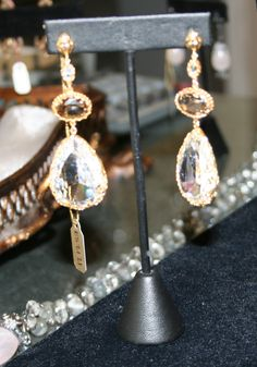 Beautiful teardrop earrings!