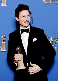 Eddie Redmayne poses with the award for Best Actor - Motion Picture, Drama for his role in 'The Theory of Everything,' in the press room at the 72nd annual Golden Globe Awards, January 11, 2015 at the Beverly Hilton Hotel in Beverly Hills, California
