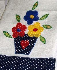 Técnica Fácil para Fazer PatchAplique no Pano de Prato/Copa com Recorte sem ter Experiência Applique Towels, Applique Quilt Patterns, Applique Templates, Applique Designs, Embroidery Applique, Embroidery Designs, Machine Applique, Machine Embroidery, Quilting Projects