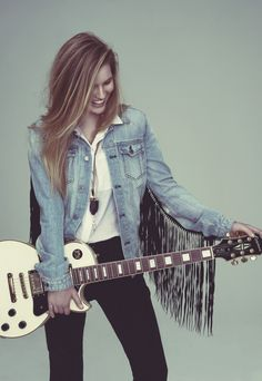 Grace Pitts from The Voice Australia 2015 - See interview and full set here http://simoneveriss.com/grace-pitts-from-the-voice-australia/  #gracepitts #thevoiceaustralia #singersongwriter #guitar