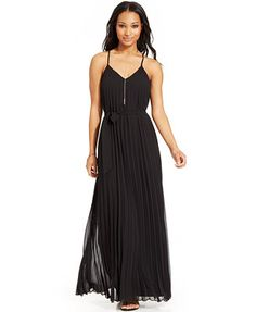 B Darlin Juniors' Sleeveless Pleated Maxi Dress