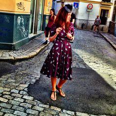 Vestido vintage con estampado de plumas
