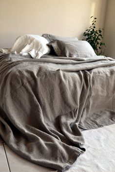 Rustic Rough Heavy Weight Stonewashed Linen Bed Cover/