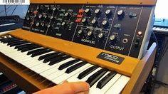 Moog Minimoog Model D Analog Synthesizer sound design tutorial - vocal sounds Moog Synthesizer, Drum Machine, Sound Design, Electronic Music, Design Tutorials, Model, Youtube, Toys, Activity Toys