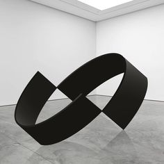The novel practice of Berlin-based visual artist Mikael Christian Strøbek merges photography, sculpture, light, and digital art, making themes of perception and movement physical through. Geometric Sculpture, Abstract Sculpture, Bronze Sculpture, Sculpture Art, Geometric Form, Contemporary Sculpture, Contemporary Art, Pop Art, Circle Art