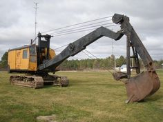 The superior structure of Excavator allows multiple work equipment configurations for wide range of applications. Heavy Construction Equipment, Construction Machines, Heavy Equipment, Machinery For Sale, Heavy Machinery, Excavation Equipment, Earth Moving Equipment, Hydraulic Excavator, Mining Equipment