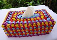 Painted Daisies Tissue Box Cover - Crochet Patterns, Free Crochet