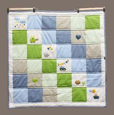 Quilt (manta acolchada) para bebes con aplicaciones de fieltro de animalitos.  www.facebook.com/micaromia