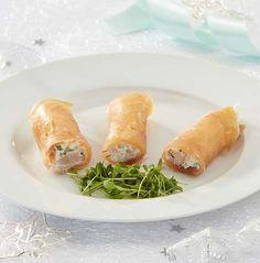 Zalmcannelloni met garnalen en appelricotta | Colruyt Tapas, I Love Food, Good Food, Yummy Food, Healthy Cooking, Cooking Recipes, Healthy Recipes, Happy Foods, Appetisers