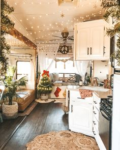 Modern Home Decor .Modern Home Decor Bus Living, Tiny House Living, Small Living, Living Room, Trailer Decor, Van Home, Camper Makeover, Remodeled Campers, Shabby Chic Kitchen