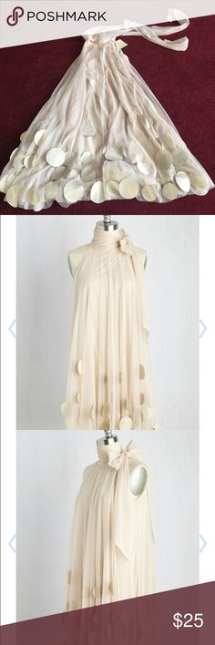 Dress by Ryu, purchased at Modcloth.  Size: XS. Never worn.  Slight spots that are not visible if worn.  Pic included.  May come out with dry clean.  Comes from smoke and pet free home. ModCloth Dresses Midi