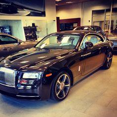 Rolls Royce car for rental in Miami by SouthBeachExoticRentals Rolls Royce Rental, Rolls Royce Cars, Rolls Royce Phantom, Miami Beach, Bmw, Luxury