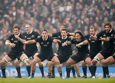 New Zealand's players perform the Haka before kick-off Tom Jenkins, Rugby Union Teams, Richie Mccaw, Hot Rugby Players, All Blacks Rugby, Rugby World Cup, Rugby League, Male Figure, Cycling Shorts