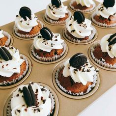 @sweets__junkie Wow! #yummy #delicious #ifoodit #merenda #oreo #cupcake