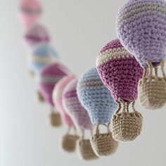 "Inspiration-Crochet hot air balloon garland dusty pink violet shabby by byGuGUIRNALDA DE GLOBOS hiddenmeadowcrochet: "" podkins: "" Ooooo this is gorgeous! Crochet Hot Air Balloon Garland This is just for inspiration as there isn't a pattern, but you Crochet Diy, Crochet Bunting, Crochet Garland, Crochet Amigurumi, Crochet Decoration, Crochet Home Decor, Love Crochet, Amigurumi Patterns, Crochet Crafts"