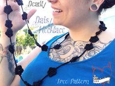 Deadly Daisy Necklac