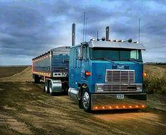 International 9670 Eagle