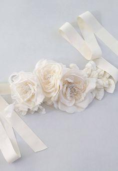 Jasmine Floral Bridal Sash Wedding Belt by BrideLaBoheme on Etsy Diy Wedding Sash, Bridal Sash Belt, Wedding Belts, Wedding Bridesmaid Dresses, Wedding Garter, Headpiece Wedding, Bridal Headpieces, Fascinators, Jasmine Bridal