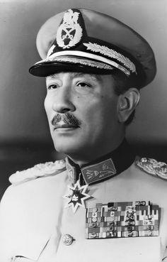 President Of Egypt, German Army, Presidents, Captain Hat, History, Photography, Egypt, Historia, Photograph