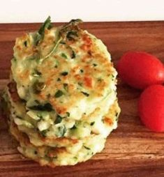 Zucchini and Haloumi Fritters - Cooking with Tenina (very wet mix, requires at least 3 pieces of day old blitzed wholemeal bread added. May also bake as a slice on 180 C for approx 45 mins). Thermomix Recipes Healthy, Healthy Eating Recipes, Baby Food Recipes, Cooking Recipes, Soup Recipes, Savoury Recipes, Paleo Recipes, Lchf, Bellini Recipe