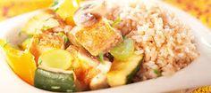 Kuvahaun tulos haulle kreikkalainen ruoka Cobb Salad, Risotto, Potato Salad, Potatoes, Rice, Ethnic Recipes, Food, Red Peppers, Food Food