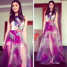When you had to have this skirt so you could never remove it and wear it every day. | 18 Outfits Alia Bhatt Wore In 2015 That You'll Want To Steal