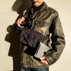 シュッピン株式会社は、カメラ専門店「Map Camera」のオリジナルブランドBLACK TAGのカメラバッグ新製品「TYPE121」を1月29日に発売した。販売価格は税別1万4,800円。限定100個の生産としている。