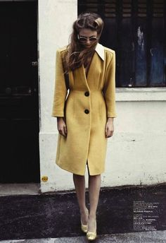 40s inspired coat and hair. beautiful shade of yellow & would you just look at those lapels?