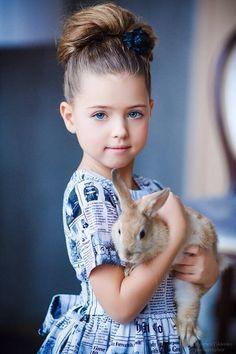 dasha kreis at DuckDuckGo Animals For Kids, Animals And Pets, Baby Animals, Little Girl Photography, Children Photography, Precious Children, Beautiful Children, Cute Kids, Cute Babies