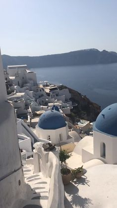 Santorini is one one of many Journey Locations In The world ? It's essential see the Santorini sundown! Santorini Travel, Greece Travel, Santorini Sunset, Santorini Greece Beaches, Santorini Island Greece, Greece Islands, Crete Greece, Athens Greece, Vacation Places