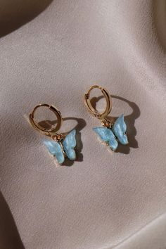 rings hipster Tiny Star Earrings/ Diamond Star Earrings in Solid Gold/ Tiny Diamond Earrings/ Tiny Stud Earrings/ Tiny Diamond Studs/ Valentines Day - Fine Jewelry Ideas Ear Jewelry, Dainty Jewelry, Cute Jewelry, Jewelry Accessories, Jewlery, Silver Jewelry, Jewelry Ideas, Jewelry Making, Hipster Accessories