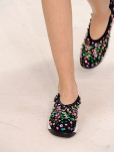 Dior'14 houte couture sneaker with 3-D floral  sequins sparks a new sporty trend of luxe (Photo Courtesy of Oyster 20140121)