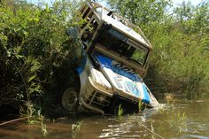 Ex-Foley Land Rover wins Elephant Charge 2013 in Zambia! Landrover Defender, Defender 90, Range Rover Hse, Jeep Wrangler X, Land Rovers, Offroad, Mud, The Dreamers, Landing
