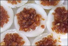 Chwee Kueh (水粿) - steamed rice cakes with salted turnip topping