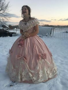 Old Fashion Dresses, Old Dresses, Pretty Dresses, Beautiful Dresses, 1800s Dresses, 1920s Dress, Prom Dresses, Victorian Ball Gowns, Victorian Era Dresses