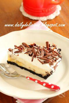 dailydelicious: Banana Custard Pie: For happy little kid in me