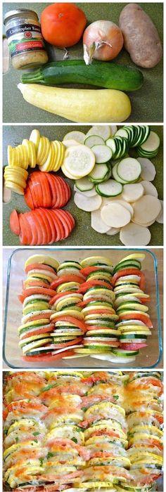 Veggie schotel: schijfjes bestrooien met zout, peper en tijm, knoflookpuree en geraspte kaas erover. Zoete aardappel eerst voorgaren!
