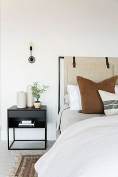 Master Bedroom Layout, Bedroom Layouts, Home Bedroom, Modern Bedroom, Minimal Bedroom Design, Tiny Master Bedroom, Bedroom Scene, Bedroom Ideas, Bedroom Furniture Design