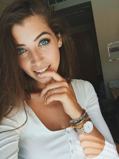 """{Kirby Minnick} """"Hi, I'm Chloe! I'm 19 and single. I love hanging out and just doing whatever. I guess you could say I'm really outgoing but that's just my meds talking!"""" I giggle. """"I love photogrpahy and partying. Come say hi?"""""""