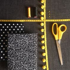 DIY and portrait: the reversible scarf by Zak A Dit