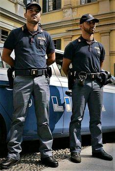 gay sex in police uniform - Bing images Cop Uniform, Police Uniforms, Men In Uniform, Mexican Men, Hot Cops, Ginger Men, Military Men, Cute Guys, Beautiful Men