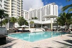 This Miami hotel is located on South Beach, just 1 mile from Lincoln Road Mall. It features 2 outdoor pools and an on-site restaurant. Spacious rooms include a flat-screen TV. Every simply styled room at Royal Palm Shorecrest Tower features city or ocean views. A CD player and clock radio are included along with a work desk. Guests can enjoy beverages from the in-room coffee and tea maker while lounging in the seating area. Royal Palm features the restaurant Britto, which serves A...