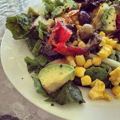 """""""Grilled Mediterranean veggies, corn and raw spinach salad #vegan #summerlunch #paleo #veganpaleo #healthyfats"""""""
